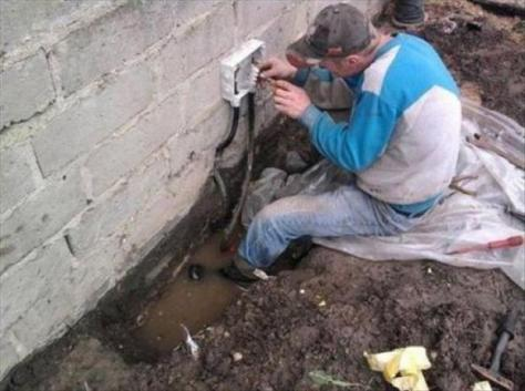 electrical-work-funny-safety-fails